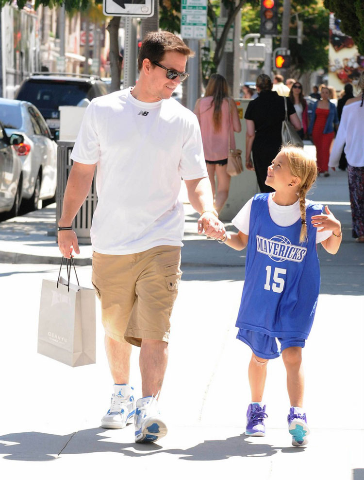 Mark Wahlberg goes shopping with his daughter.