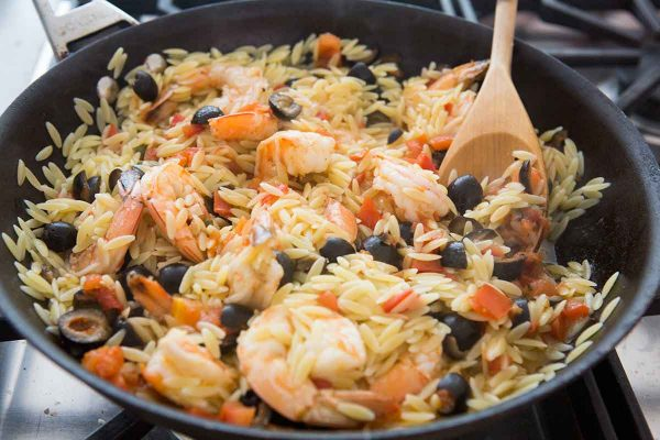 shrimp with olive and tomatoes