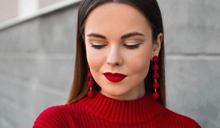 Be daring with your makeup like the lipstick shown here to look your best for Christmas